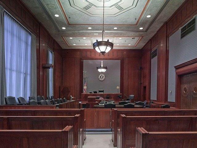 puede un juez obligar a un anciano a ingresar en una residencia de ancianos